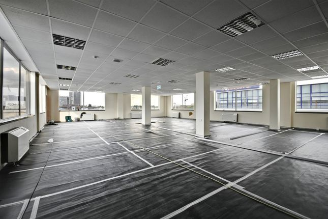 Thumbnail Property to rent in Great West Road, Brentford