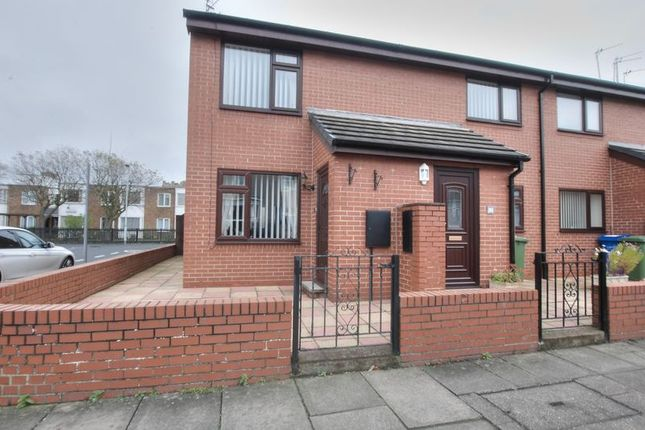 2 bed flat for sale in Stanley Street, Blyth