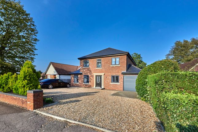 Thumbnail Detached house for sale in Oakwood Road, Bricket Wood, St. Albans, Hertfordshire