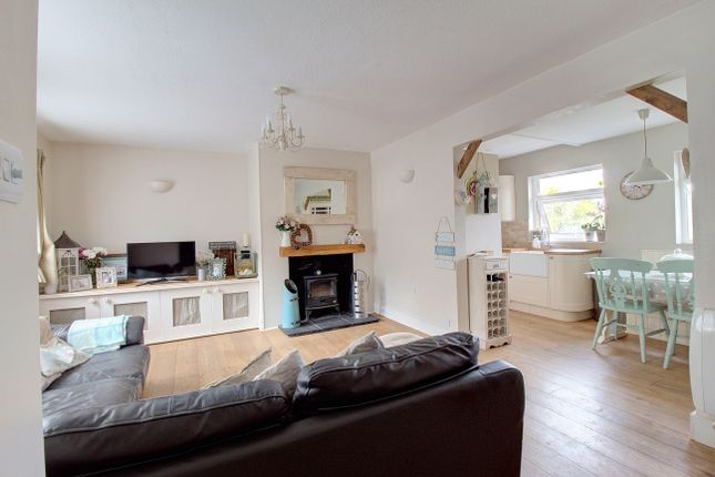 Thumbnail Terraced house for sale in Selsfield Road, West Hoathly, East Grinstead