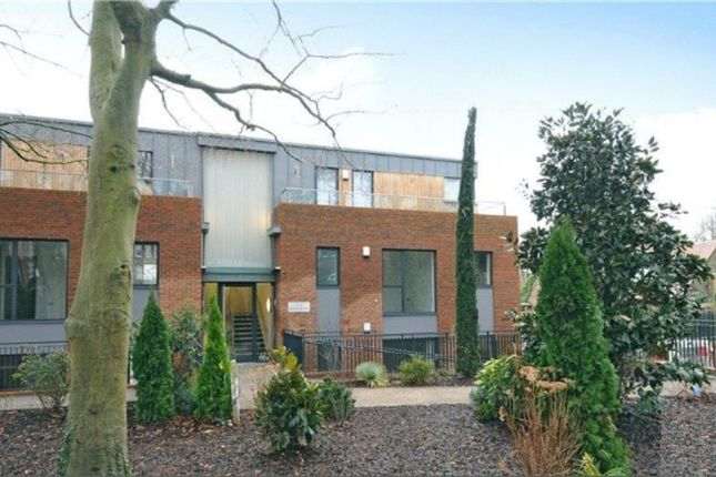 Thumbnail Flat to rent in Nightingale Park, Winchester
