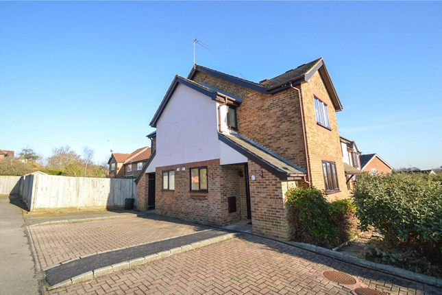 Thumbnail Terraced house to rent in Coleridge Close, Twyford, Berkshire