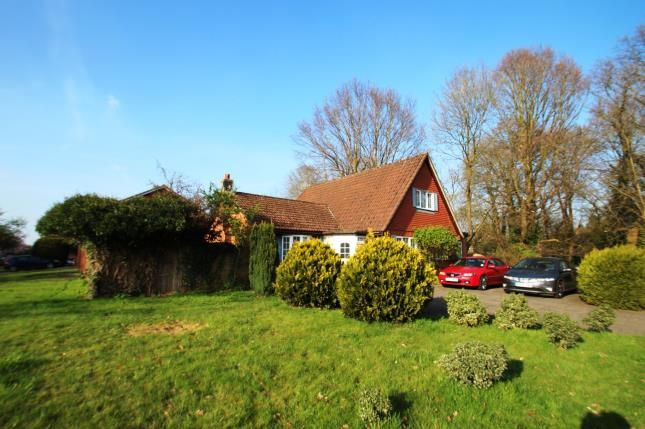 Thumbnail Bungalow for sale in Horley Row, Horley, Surrey