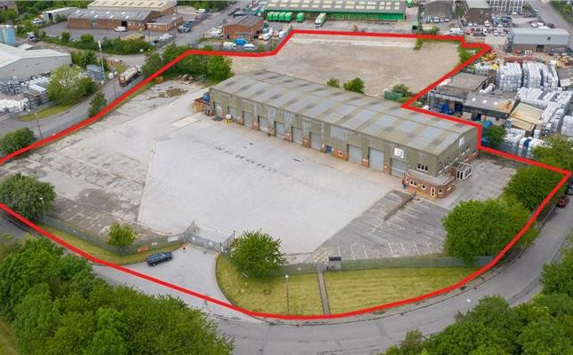 Light industrial to let in Pheasant Drive, Norquest Industrial Estate, Birstall, West Yorkshire