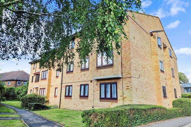 2 bed flat for sale in Ludford Close, Croydon, Surrey CR0