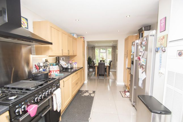 Kitchen of Hagbourne Close, Woodcote, Reading RG8