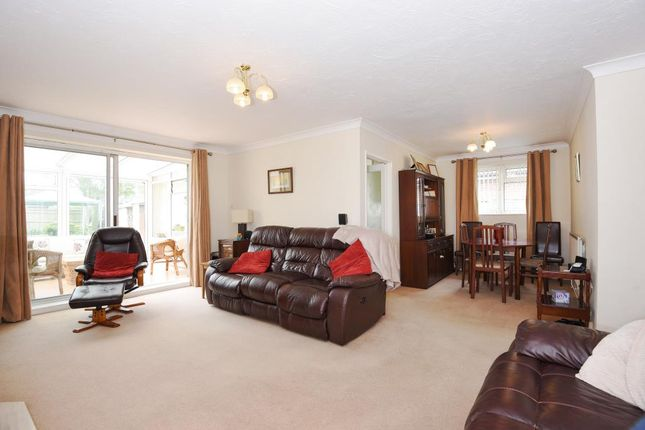 2 bed detached bungalow for sale in The Croft, Harwell