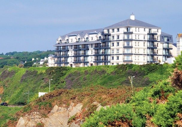 Thumbnail Flat to rent in Apt. 34 Kensington Place Apartments, Imperial Terrace, Onchan
