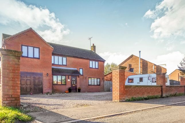 Thumbnail Detached house to rent in Northgate, Pinchbeck, Spalding
