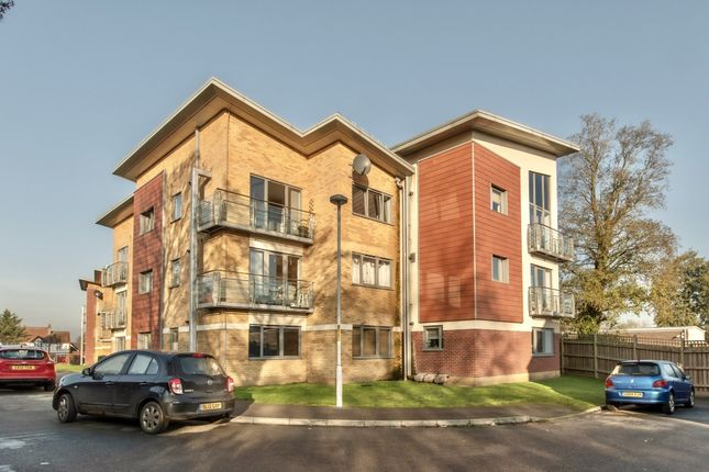 2 bed flat for sale in The Farrows, Maidstone ME15