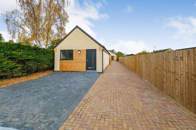 Thumbnail Bungalow for sale in Dunant Close, Bourne