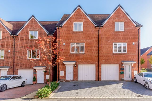 Thumbnail Semi-detached house to rent in Cherryfields, Amersham