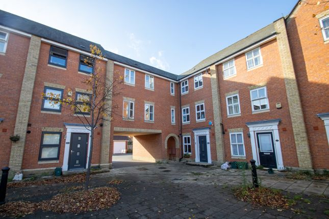 1 bed flat to rent in Hesper Road, Colchester CO2