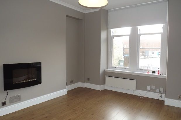 Thumbnail Flat to rent in Melville Street, Falkirk