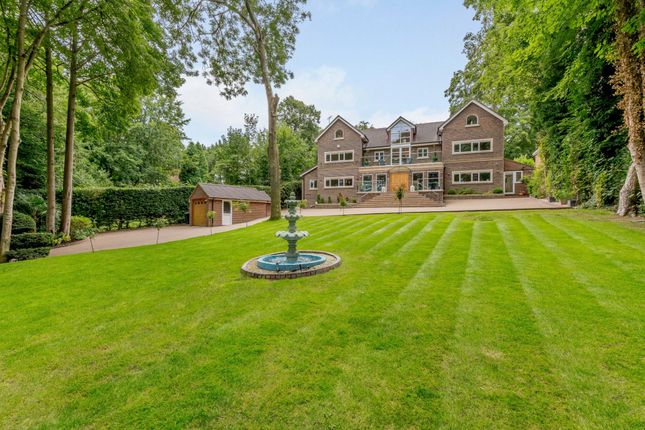 Thumbnail Detached house for sale in Kingfisher Lure, Rickmansworth