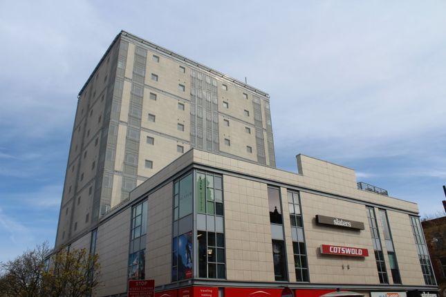 2 bed flat to rent in Birley Street, Preston