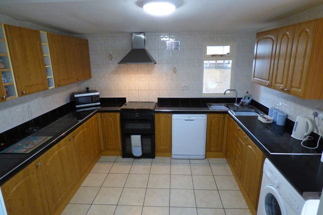 Kitchen of Crystal Road, Blackpool FY1