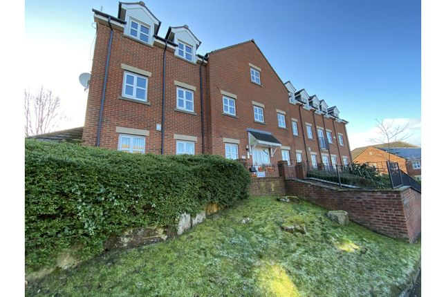 2 bed flat for sale in St. Francis Close, Sheffield S10