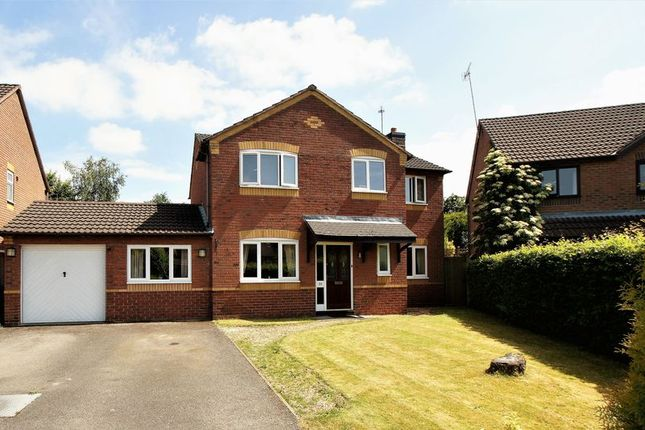 Thumbnail Property for sale in Chestnut Drive, Holmes Chapel, Crewe