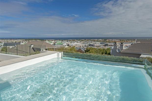Thumbnail Property for sale in 11 Sparrow Hawk, Hemel En Aarde Estate, Hermanus, Western Cape, 7200