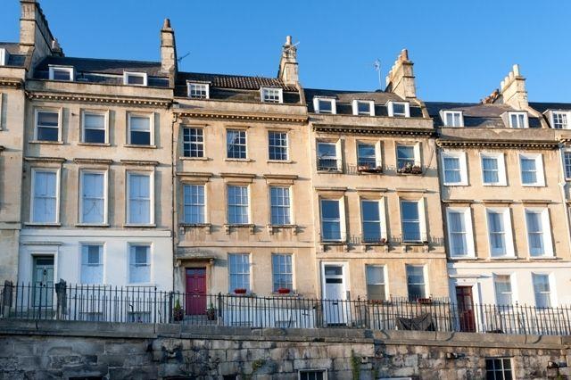 Thumbnail Flat to rent in Walcot Parade, Bath