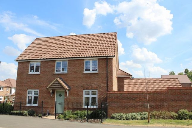 Thumbnail Detached house to rent in Cherhill Way, Calne