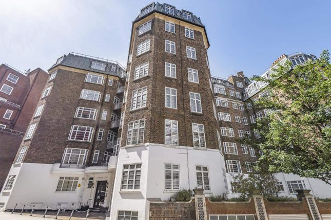 2 bed flat for sale in Stourcliffe Street, London W1H