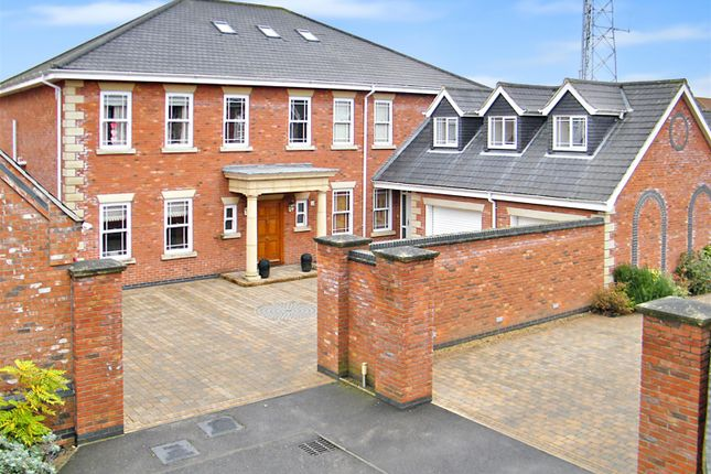 Thumbnail Detached house for sale in Manor Drive, Skegness, Lincs.