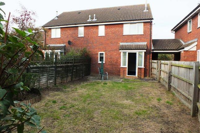 Thumbnail Property to rent in Hogarth Close, St. Ives, Huntingdon