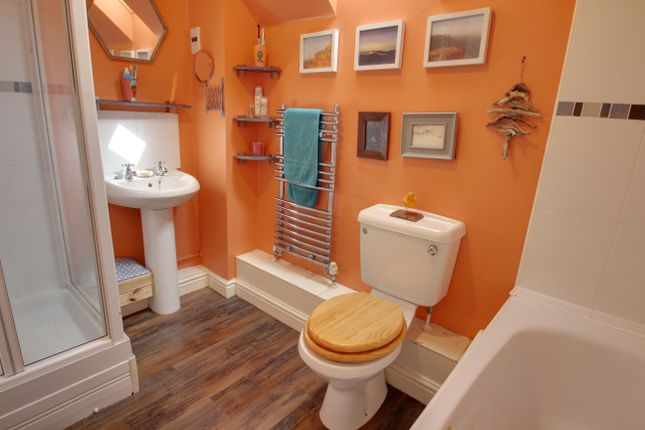 Bathroom of Kingfisher Way, Plymstock, Plymouth PL9