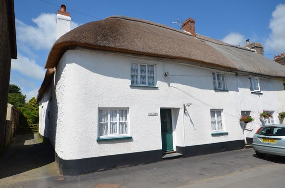 Thumbnail Cottage for sale in East Street, Chulmleigh