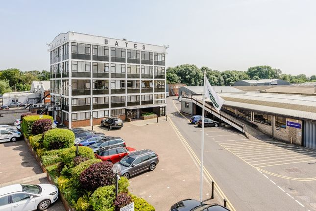 Commercial property to let in Harold Wood