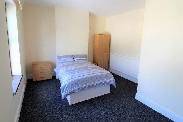 Room to rent in Wath Road, Mexborough