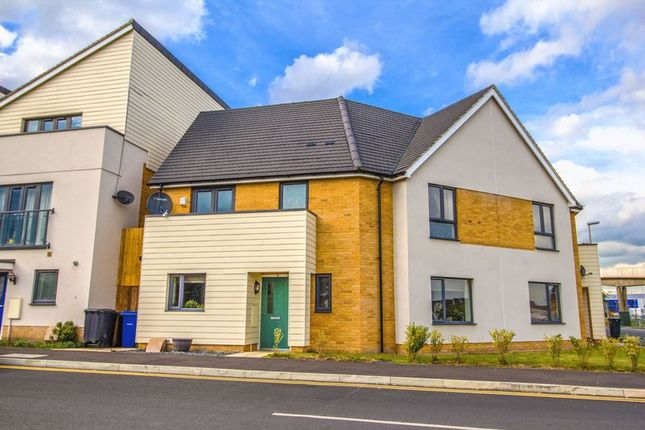 Thumbnail Semi-detached house for sale in Meadow Drive, Aveley, South Ockendon