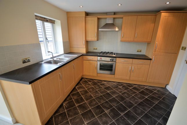 Thumbnail Flat for sale in Bryden Close, Brighouse