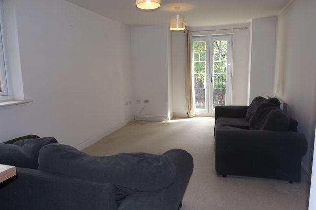 2 bed flat to rent in York Court, Burnage Lane, Burnage M19
