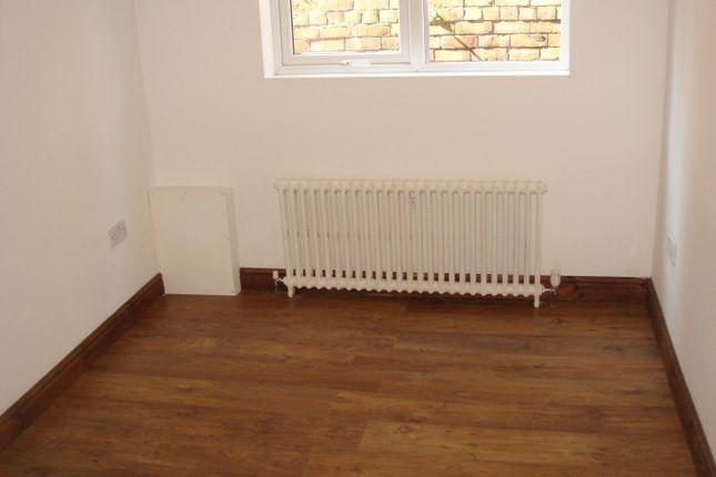 Bedroom of Kingsway, Moorgate, Rotherham S60