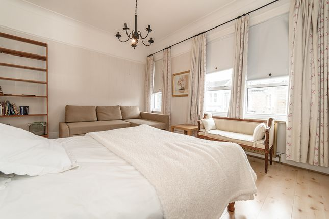 Thumbnail End terrace house to rent in Crofton Road, London