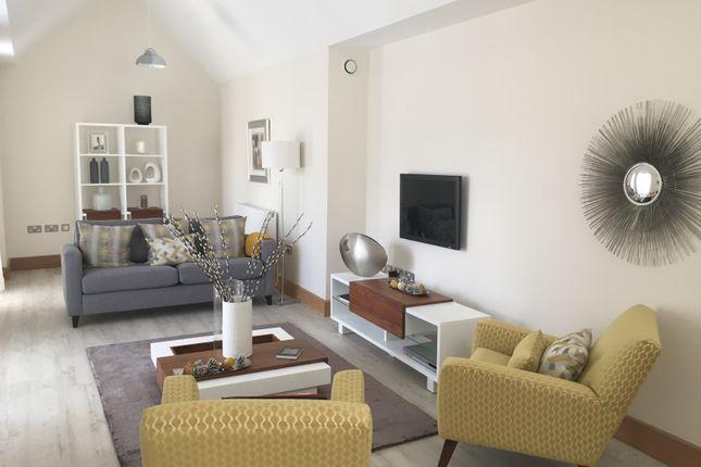 Thumbnail Flat to rent in Castle Lane, Swansea