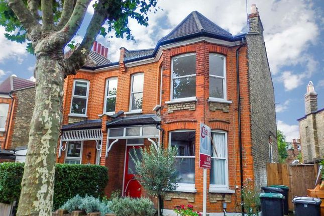 Thumbnail Flat to rent in Barrington Road, Crouch End