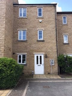 Thumbnail Town house to rent in Brackenhill Mews, Bradford, West Yorkshire