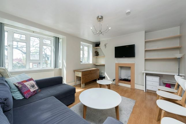2 bed flat to rent in Oaklands Estate, London SW4
