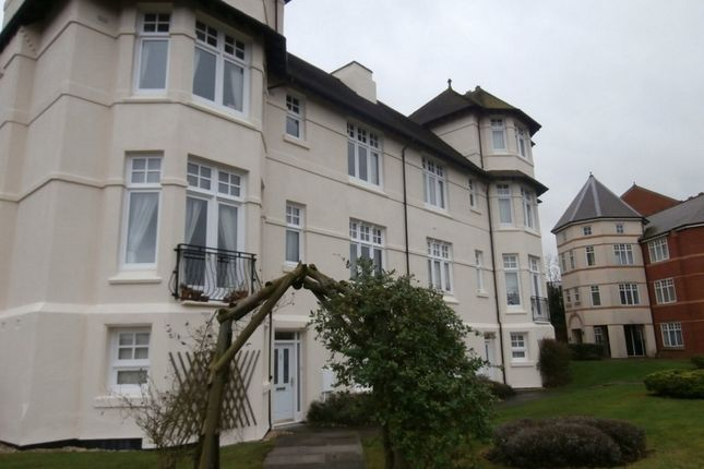 2 bed flat to rent in Pennant Court, Penn Road, Wolverhampton