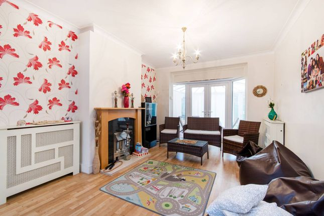 Thumbnail Semi-detached house to rent in Rose Hill Park West, Sutton