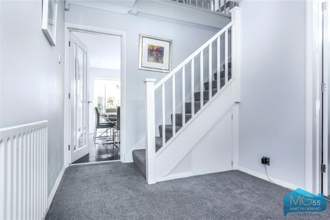 Picture No. 27 of Oakview Gardens, East Finchley, London N2