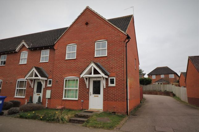 3 bed property for sale in Millers Way, Grange Park, Northampton NN4