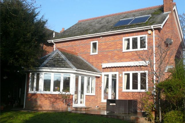 Thumbnail Detached house for sale in Deanfield Avenue, Henley-On-Thames