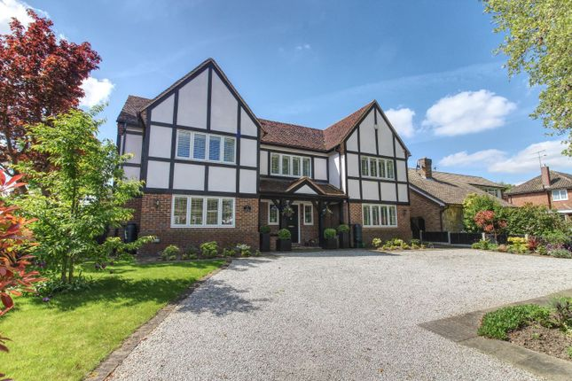 Thumbnail Detached house for sale in Park Avenue, Hutton, Brentwood