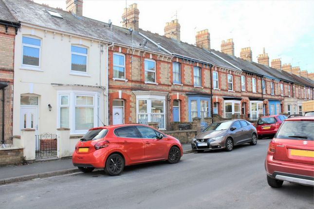Thumbnail Flat for sale in Greenway Avenue, Taunton, Somerset