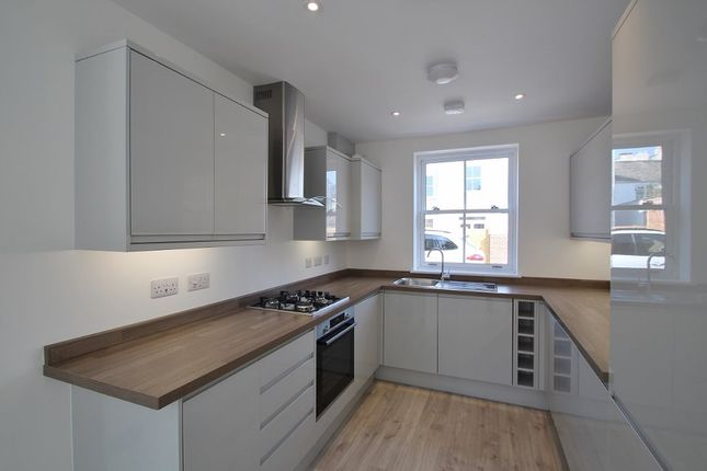 Thumbnail Semi-detached house to rent in Hewlett Mews, Hewlett Place, Cheltenham